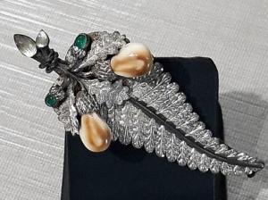 silver-brooch-fern-with-deer-teeth.jpg